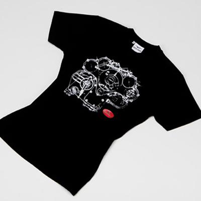 Imprimer des tee-shirts sombres en sérigraphie pour un résultat doux au toucher