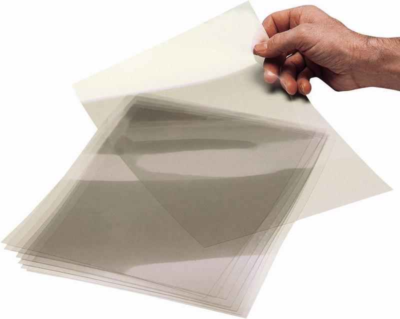 Quelle encre est la plus adaptée pour des feuilles transparentes du type pour rétroprojecteur?