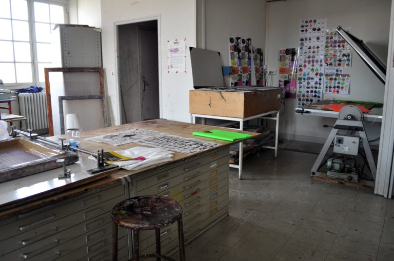 Ouvrir un laboratoire de sérigraphie : caractéristiques et équipement de base