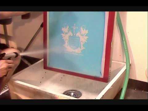 Comment nettoyer un écran utilisé pour une impression avec des encres à l'eau