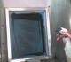 Quelles sont les mesures de sécurité à adopter pour le nettoyage des écrans?