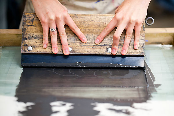 encres adaptées à la sérigraphie sur bois